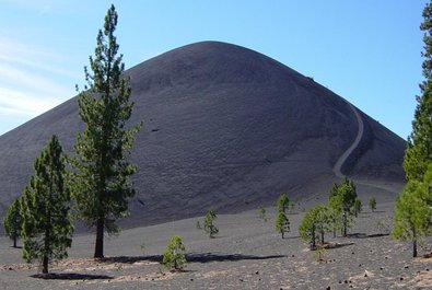 Cinder Cone Volcano, Painted Dunes and Fantastic Lava Bed