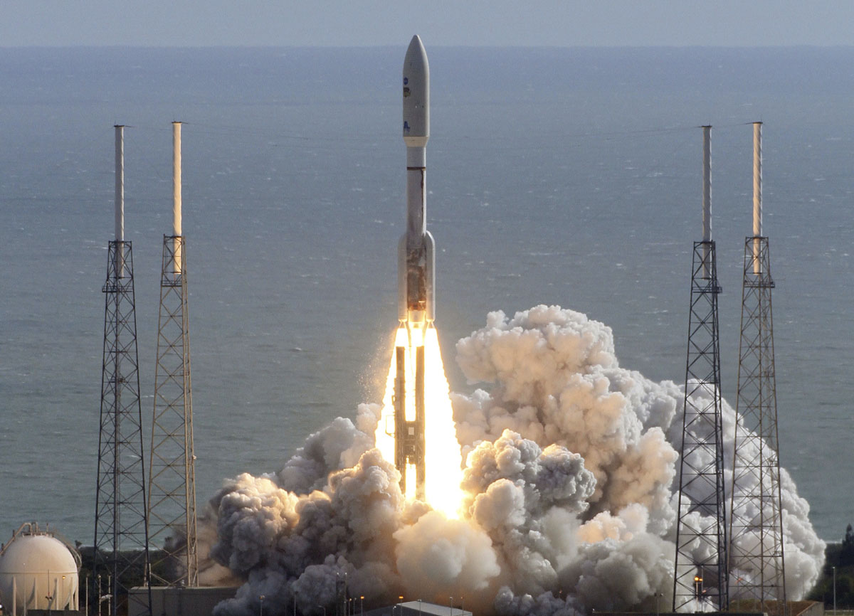 rocket launch at cape canaveral