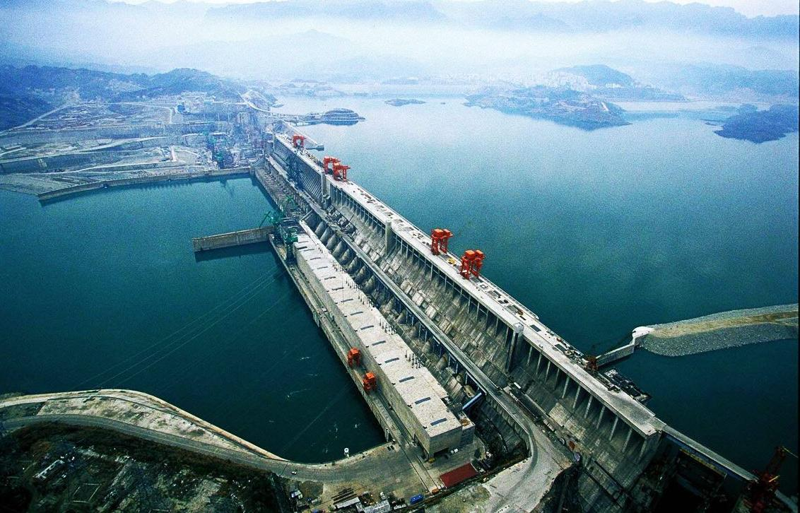 the three gorges dam on the yangtze river in china
