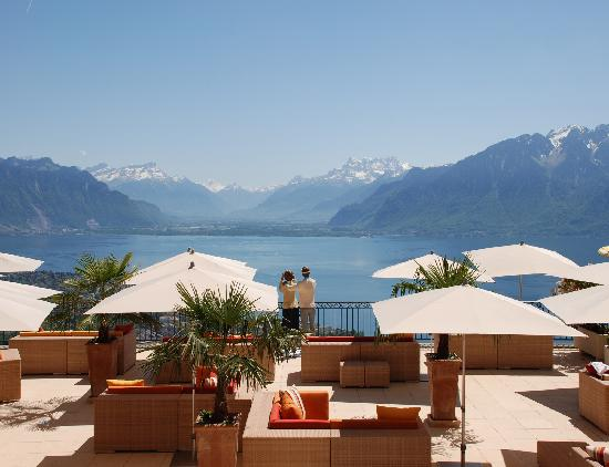 Geneva A Clic Swiss City On The Ss Of Alpine Lake Castles And Churches Vineyards Small Resort Towns